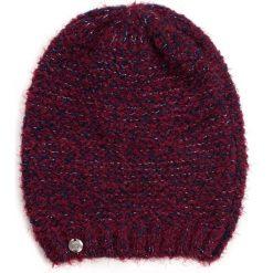 Czapka damska Błyszcząca trawa bordowa. Czerwone czapki zimowe damskie marki Art of Polo. Za 42,47 zł.