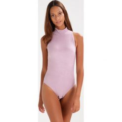 Undress Code BE RESOLUTE Body light pink. Szare bluzki body marki Undress Code, z materiału. Za 359,00 zł.