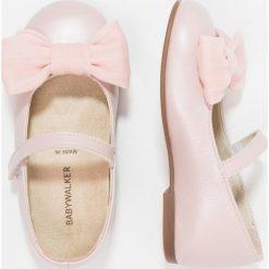 Babywalker Baleriny z zapięciem pink. Szare baleriny dziewczęce marki Babywalker, z materiału, klasyczne. Za 299,00 zł.