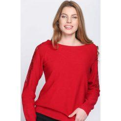 Czerwony Sweter Begin To Understand. Czerwone swetry klasyczne damskie Born2be, l, z okrągłym kołnierzem. Za 89,99 zł.
