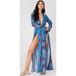 Sukienki hiszpanki: Hannalicious x NA-KD Szyfonowa sukienka z podwójnym rozcięciem – Blue,Multicolor