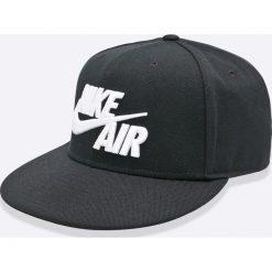 Nike Sportswear - Czapka Air True Cap Classic. Czarne czapki z daszkiem męskie Nike Sportswear. W wyprzedaży za 89,90 zł.