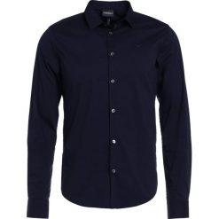 Emporio Armani Koszula biznesowa dark blue. Niebieskie koszule męskie marki Emporio Armani, m, ze lnu. Za 629,00 zł.