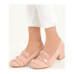 Różowe Czółenka Silas. Czerwone buty ślubne damskie marki Born2be, w paski, ze skóry, na niskim obcasie, na słupku. Za 69,99 zł.