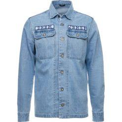 Denham NOTION Kurtka jeansowa washed indigo. Niebieskie kurtki męskie bomber Denham, m, z bawełny. Za 759,00 zł.