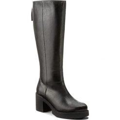 Kozaki KARINO - 2148/076-6 Czarny. Czarne buty zimowe damskie marki Kazar, ze skóry, na wysokim obcasie. W wyprzedaży za 299,00 zł.