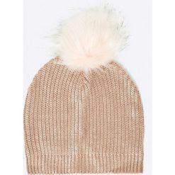 Answear - Czapka. Różowe czapki zimowe damskie marki ANSWEAR, z dzianiny. W wyprzedaży za 29,90 zł.