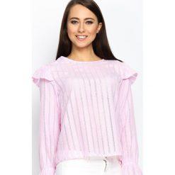 Różowa Bluzka Lace Back. Białe bluzki ażurowe marki Born2be, s, z koronki, z dekoltem na plecach, z długim rękawem. Za 49,99 zł.