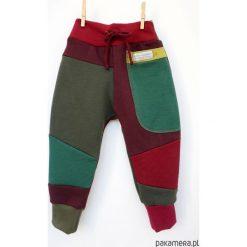 PATCH PANTS spodnie 104 - 152 cm burgund. Czerwone spodnie dresowe dziewczęce Pakamera, z dresówki. Za 109,00 zł.