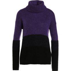 Swetry klasyczne damskie: BOSS CASUAL ILKE Sweter dark purple