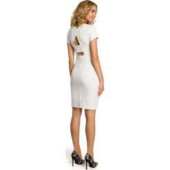 VALERIE Klasyczna, gładka sukienka z krótkim rękawem - ecru. Czarne sukienki balowe marki Mohito, l, z dekoltem na plecach. Za 159,90 zł.