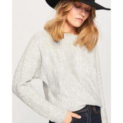 Sweter z błyszczącym włóknem - Jasny szar. Szare swetry klasyczne damskie Reserved, l, z włókna. Za 79,99 zł.