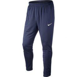 Chinosy chłopięce: Nike Spodnie piłkarskie Technical Knit Pant Junior granatowe r. S (588393-451)