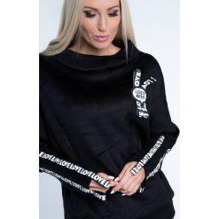 Bluzy rozpinane damskie: Bluza z napisami czarna 6576