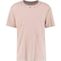 T-shirty męskie z nadrukiem: AllSaints JEFRIS CREW Tshirt z nadrukiem oat pink
