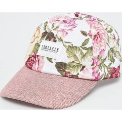 True Spin - Czapka Bloom. Szare czapki z daszkiem damskie True Spin, z bawełny. W wyprzedaży za 59,90 zł.