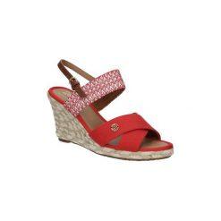 Sandały Wrangler  SANDAŁY  BRAVA TEX CROSS WL161593. Różowe sandały damskie marki Wrangler. Za 179,99 zł.