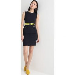Sukienki hiszpanki: Karen Millen ATHLETIC BELTED DRESS Sukienka etui navy