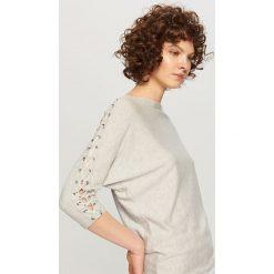 Kardigany damskie: Sweter z gorsetowym wiązaniem - Jasny szar