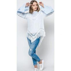Bluzki asymetryczne: Bluzka zdobiona szydełkowymi wstawkami i frędzlami biała