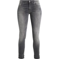 BOSS Orange Jeans Skinny Fit dark grey. Szare jeansy damskie BOSS Orange, z bawełny. W wyprzedaży za 524,25 zł.