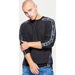 Bluza z taśmą - Czarny. Czarne bluzy męskie rozpinane marki Cropp, l. Za 99,99 zł.
