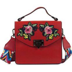 """Torebki klasyczne damskie: Skórzana torebka """"Heather"""" w kolorze czerwonym – 22 x 21 x 7 cm"""