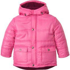 Kurtka parka z kapturem bonprix różowy flaming. Niebieskie kurtki męskie marki bonprix, z nadrukiem. Za 79,99 zł.