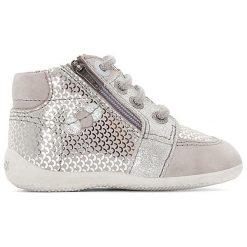 Wysokie buty sportowe BARAKA. Niebieskie buty sportowe dziewczęce marki Kickers, z kauczuku, na sznurówki. Za 377,96 zł.