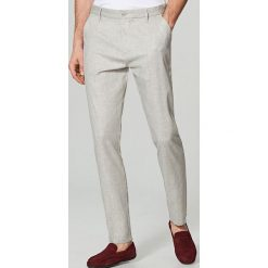 Rurki męskie: Eleganckie spodnie chino slim fit - Jasny szar