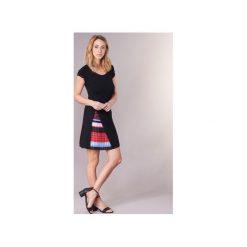 Sukienki krótkie Desigual  IJEFER. Czarne sukienki hiszpanki Desigual, m, z krótkim rękawem, mini. Za 244,30 zł.