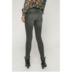 Medicine - Jeansy Basic. Szare jeansy damskie marki MEDICINE. W wyprzedaży za 39,90 zł.