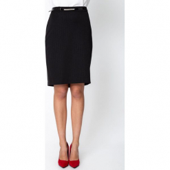 Czarna spódnica w srebrne prążki QUIOSQUE. Czarne spódnice wieczorowe QUIOSQUE, w prążki, z tkaniny, kopertowe. Za 139,99 zł.