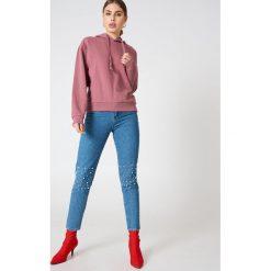 NA-KD Basic Bluza z kapturem basic - Purple. Różowe bluzy z kapturem damskie marki NA-KD Basic, prążkowane. Za 100,95 zł.