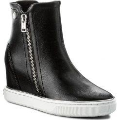 Botki GUESS - Fulvia FLFUL4 LEA10 BLACK. Czarne botki damskie skórzane marki Guess. W wyprzedaży za 369,00 zł.
