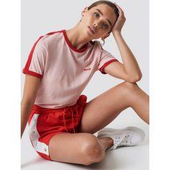 NA-KD T-shirt z haftem - Pink. Różowe t-shirty damskie NA-KD, z haftami, z jersey, z okrągłym kołnierzem. Za 80,95 zł.