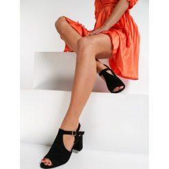 Sandały z zakrytymi palcami i piętą Sandały damskie