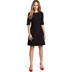 Sukienki hiszpanki: Czarna Sukienka Trapezowa przed Kolano z Paskiem