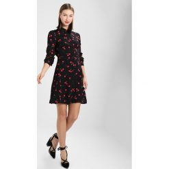 Sukienki hiszpanki: Warehouse CHERRY PRINT SHIRT DRESS Sukienka koszulowa black