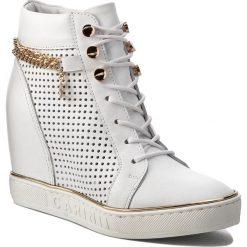 Sneakersy CARINII - B4018/OT  G34-000-000-B88. Białe sneakersy damskie Carinii, z materiału. W wyprzedaży za 279,00 zł.