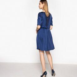 Długie sukienki: Sukienka satynowa, piękny prześwitujący tył