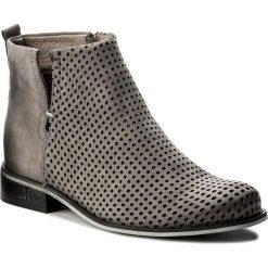 Botki CARINII - B4342/M J51-000-000-C97. Szare buty zimowe damskie Carinii, z nubiku, na obcasie. W wyprzedaży za 269,00 zł.