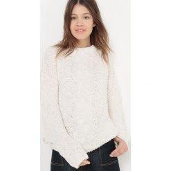 Sweter z warkoczami na guziki, okrągły dekolt. Szare kardigany damskie marki La Redoute Collections, m, z bawełny, z kapturem. Za 122,85 zł.