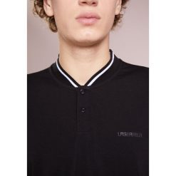 LAGERFELD Tshirt z nadrukiem black. Niebieskie koszulki polo marki Tiffosi. Za 409,00 zł.