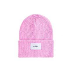 Czapka Beanie Pink. Czerwone czapki zimowe damskie Harp Team, z dzianiny, klasyczne. Za 49,00 zł.