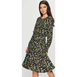 Medicine - Sukienka Vintage Revival. Szare długie sukienki marki MEDICINE, na co dzień, l, z tkaniny, casualowe, z okrągłym kołnierzem, z długim rękawem, rozkloszowane. Za 139,90 zł.