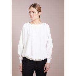 Escada Sport NAILAR Bluzka offwhite. Białe bluzki sportowe damskie Escada Sport, z materiału. W wyprzedaży za 681,85 zł.