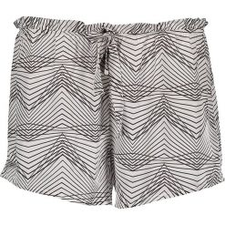 Szorty piżamowe w kolorze biało-czarnym. Białe szorty damskie Skiny. W wyprzedaży za 69,95 zł.