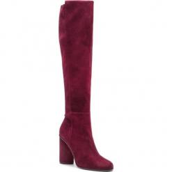 Kozaki STUART WEITZMAN - Eloise 95 YL96242 Cabernet Suede. Czerwone buty zimowe damskie Stuart Weitzman, z materiału, na obcasie. Za 3309,00 zł.