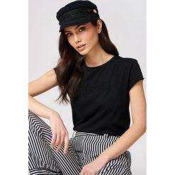NA-KD T-shirt NA-KD - Black. Czarne t-shirty damskie NA-KD, z okrągłym kołnierzem. Za 48,95 zł.
